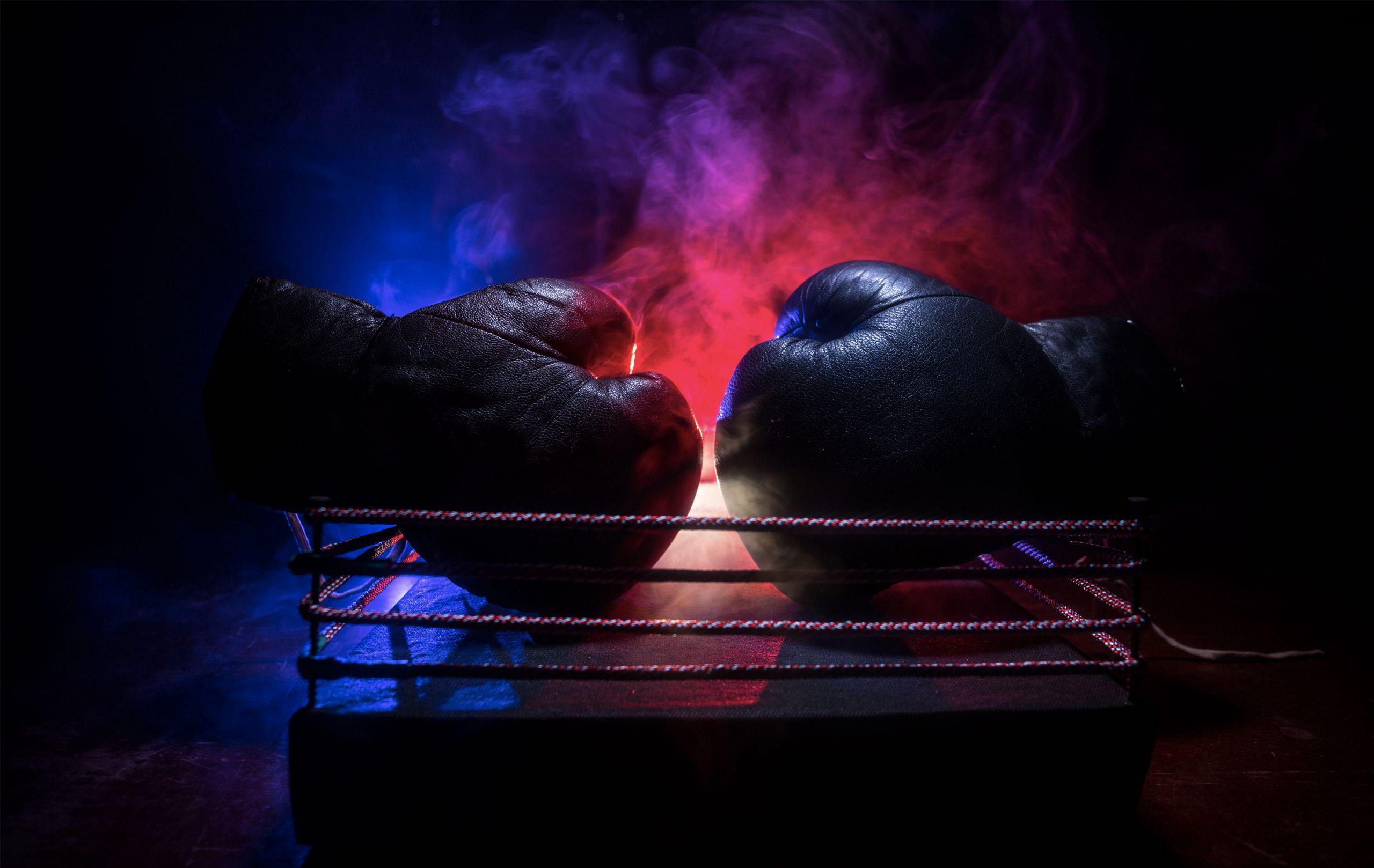 gants de box posés sur un ring