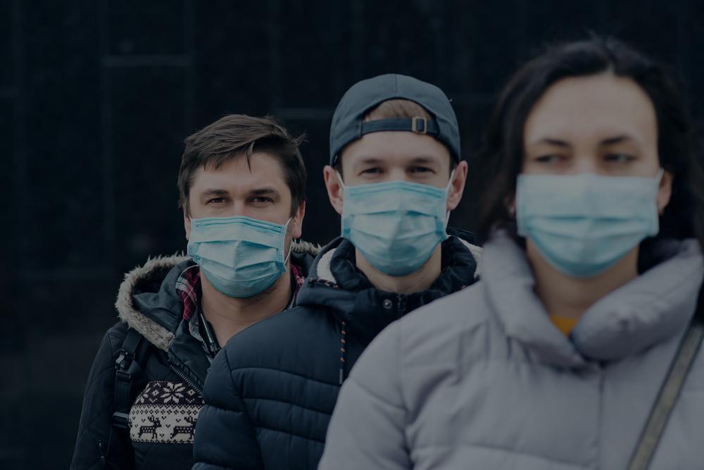 Personnel de la sécurité privée portant des masques