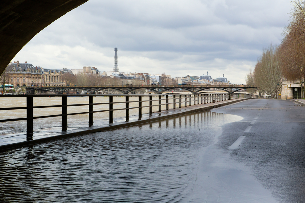 Paris France débordement Seine