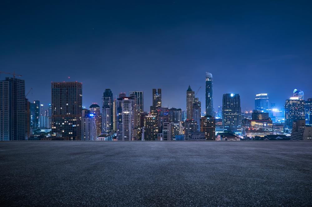 Bangkok, vue d'une ville du futur de nuit